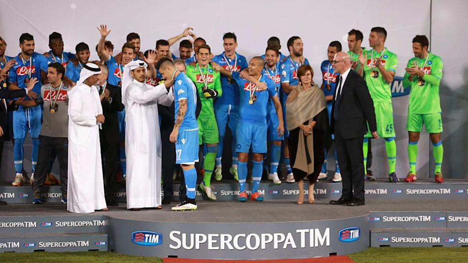 Il Napoli fa sua la Supercoppa Italiana 2014 contro la Juventus | Warren Little/Getty Images