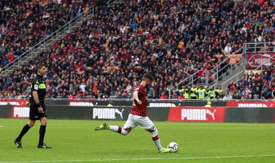 AC Milan's Suso scores his team's second goal during the Italian serie A soccer match between AC Milan and Frosinone at the Giuseppe Meazza stadium in Milan, Italy, May 19, 2019. (Matteo Bazzi/ANSA via AP)