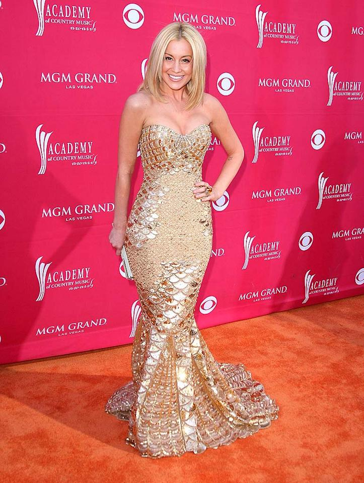 "Kellie Pickler made a splash in her gold Zuhair Murad fishtail gown. Jason Merritt/<a href=""http://www.gettyimages.com/"" target=""new"">GettyImages.com</a> - April 5, 2009"