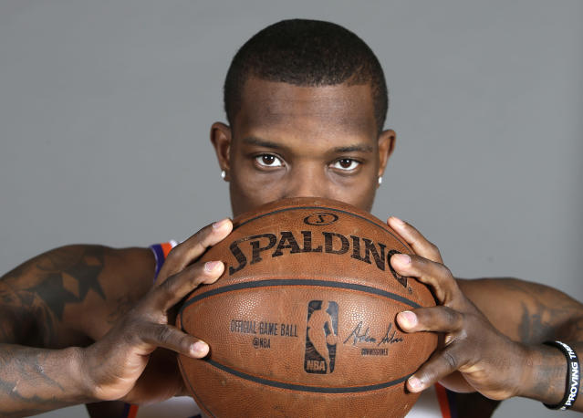 Eric Bledsoe keeps his eyes on the prize. (AP)