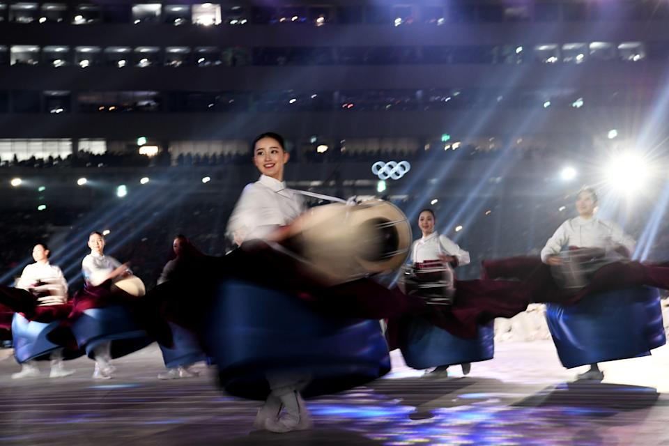 <p>Actors perform during the opening ceremony of the Pyeongchang 2018 Winter Olympic Games at the Pyeongchang Stadium on February 9, 2018. / AFP PHOTO / Kirill KUDRYAVTSEV </p>