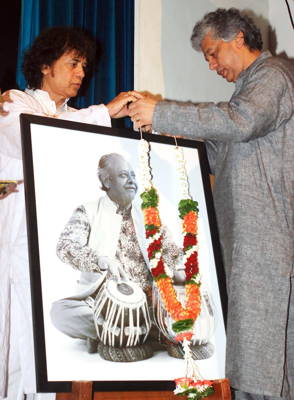 Ustad Allarakha Qureshi was best remembered for playing tabla alongside sitar maestro Ravi Shankar. His son Zakir Hussain walked on his footsteps to become a renowned table player as well.