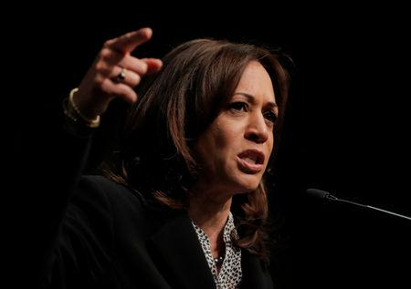 U.S. 2020 Democratic presidential candidate and U.S. Senator Kamala Harris (D-CA) speaks at the 2019 National Action Network National Convention in New York, U.S., April 5, 2019.  REUTERS/Lucas Jackson