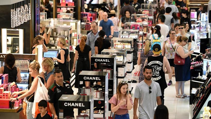 Christmas shoppers set to spend billions