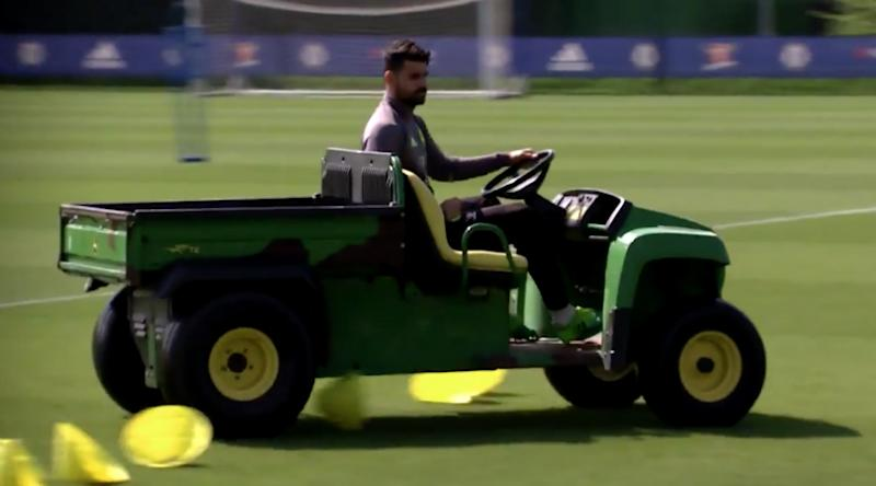 Video: Chelseas Diego Costa messes about in training for no real reason
