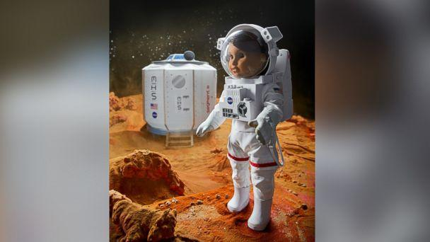 PHOTO:American Girl's 2018 girl of the year doll, who was revealed on 'GMA' today, is Luciana Vega, an aspiring astronaut who hopes to be the first person to go to mars. (Courtesy of American Girl )