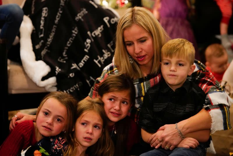 The Wider Image: Mexico Mormon family has tearful Christmas after cartel murders