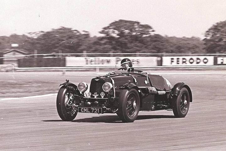 aston-martin-ulster-lm19-history