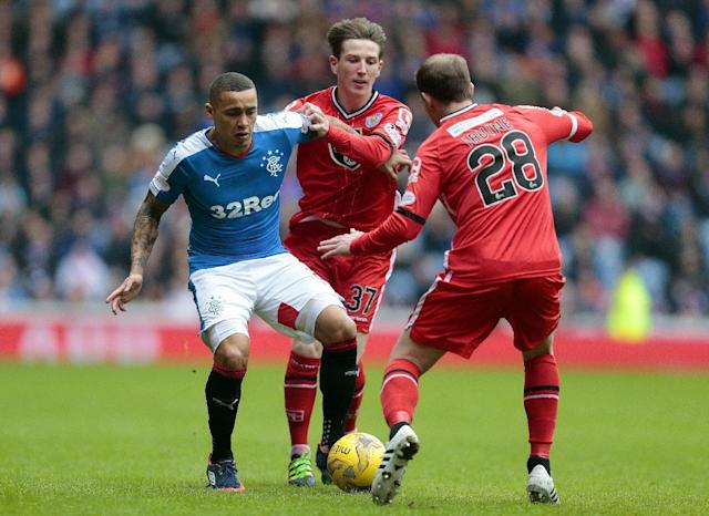 Football Soccer - Rangers v St Mirren - Ladbrokes Scottish Championship - Ibrox - 27/2/16 Rangers' James Tavernier (L) in action with St Mirren's Kyle McAllister and Gary Irvine (R) Mandatory Credit: Action Images / Graham Stuart Livepic EDITORIAL USE ONLY.