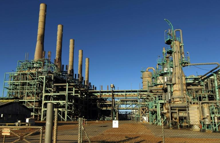 A general view taken on January 11, 2017 of an oil refinery at Libya's Ras Lanuf port one of the conduits for much of the country's crude and gas sale