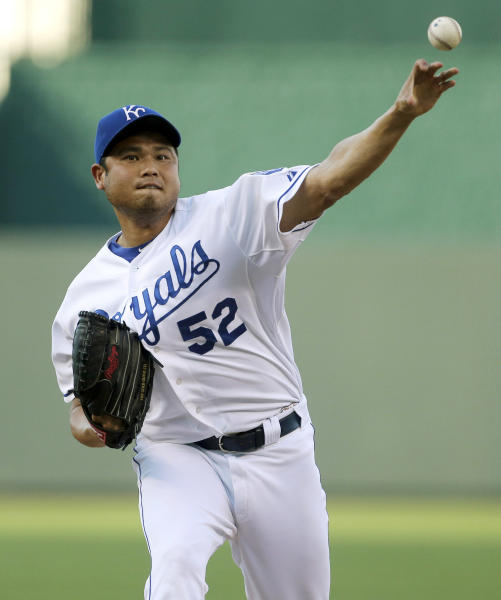Kansas City Royals pitcher Bruce Chen throws during the first inning of a baseball game against the Baltimore Orioles Tuesday, July 23, 2013, in Kansas City, Mo. (AP Photo/Charlie Riedel)