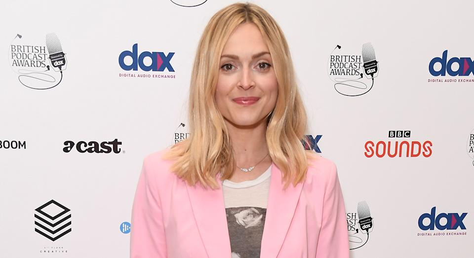 Fearne Cotton wears new Sweaty Betty Contour Leggings for home workout.