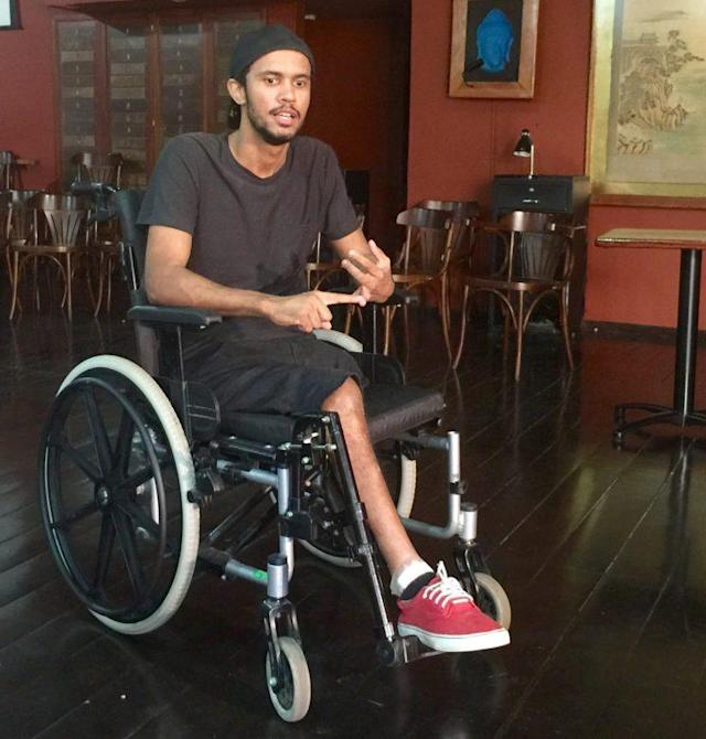 Vitor Santiago lost a leg and is paralyzed from the waist down after being shot by police in 2015. (Yahoo Sports)