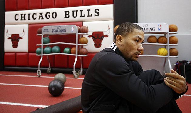 Derrick Rose Reportedly Offers To Help Pay For Funeral Of Slain 6