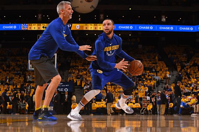 OAKLAND, CA - APRIL 24: Stephen Curry #30 of the Golden State Warriors warms up prior to Game Five of Round One of the 2018 NBA Playoffs against the San Antonio Spurs on April 24, 2018 at ORACLE Arena in Oakland, California. (Photo by Noah Graham/NBAE via Getty Images)