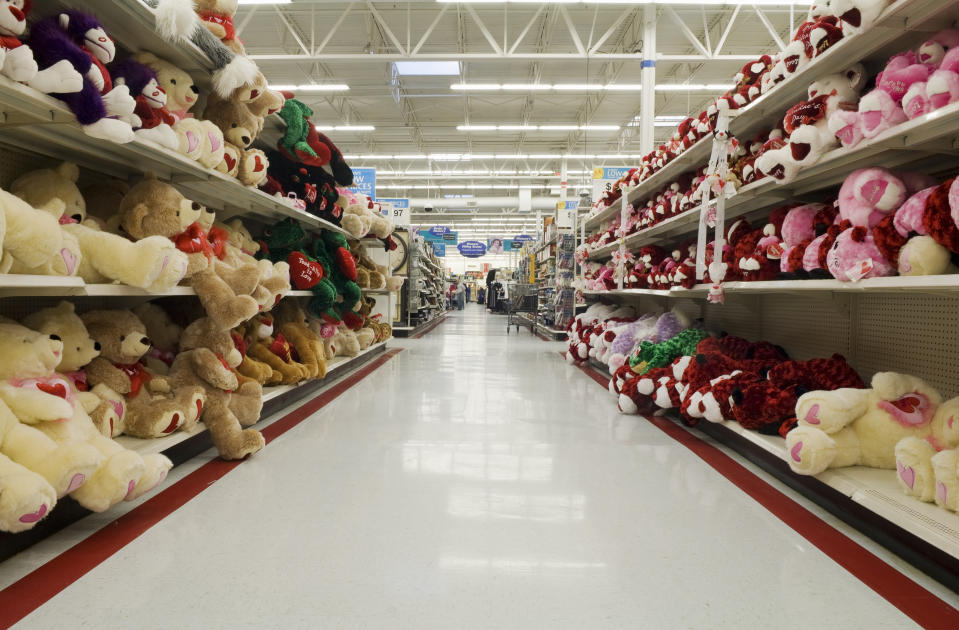 Secret Santas are paying off layaway balances across the country. What's behind this trend? (Photo: Getty Images)