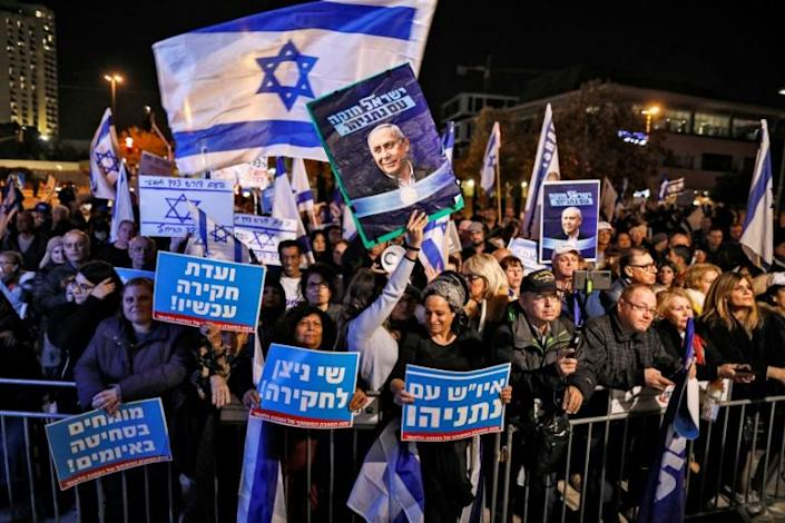 Netanyahu has proven to have a loyal support base despite his indictment last month on corruption charges (AFP Photo/AHMAD GHARABLI)