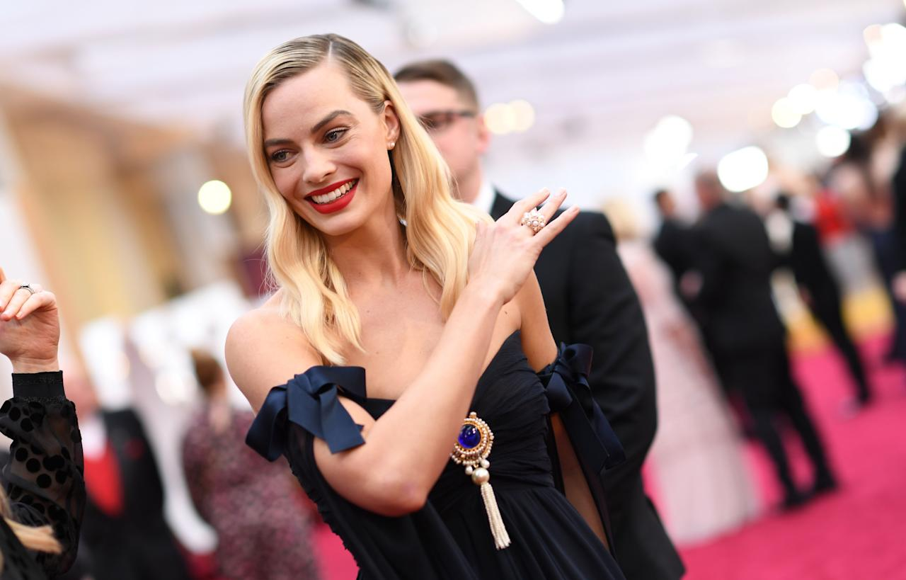 <p>From Margot Robbie in vintage Chanel, to Natalie Portman's feminist red carpet statement, here are our favourite 10 fashion moments from the 2020 Academy Awards. </p>