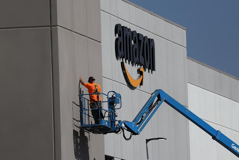 """Amazon <a href=""""https://www.bizjournals.com/sacramento/news/2017/08/10/amazon-com-gives-first-look-at-sacramento.html"""" target=""""_blank"""">reportedly received</a> nearly $2 million in reduced fees and an expedited permitting process to openanew Sacramento fulfillment center in 2017. (Justin Sullivan via Getty Images)"""