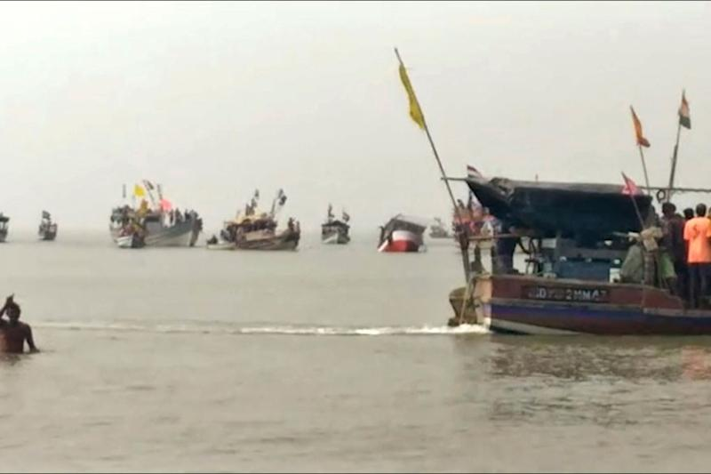 3 Schoolchildren Killed, 32 Rescued After Boat Capsizes in Sea Near Maharashtra's Dahanu