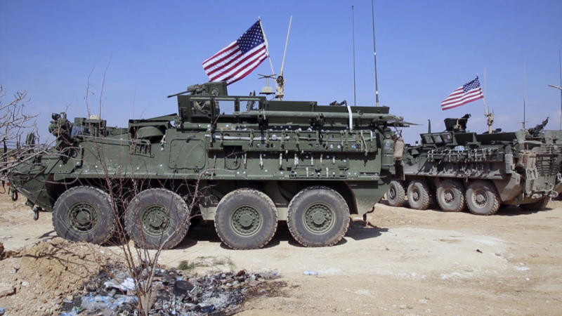 US Marines with artillery deploy to Syria