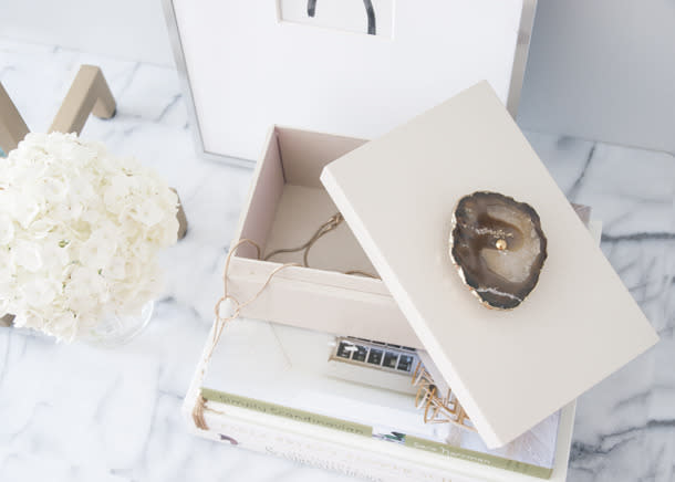 """<p>This agate lacquer box is both """"prettier than what I would buy and way less expensive,"""" says blogger Erin of <a href=""""http://www.earnesthomeco.com/lacquered-agate-box/"""">her pretty project</a>. <i>(Photo: <a href=""""http://www.earnesthomeco.com/lacquered-agate-box/"""">Earnest Home Co.</a>)</i><br /></p>"""