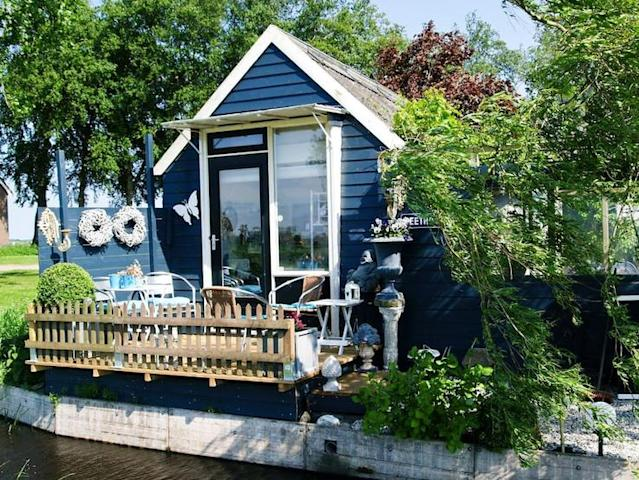 <p>The cabin has a private terrace with stunning views of the nearby of De Weerribben-Wieden National Park. (Airbnb) </p>