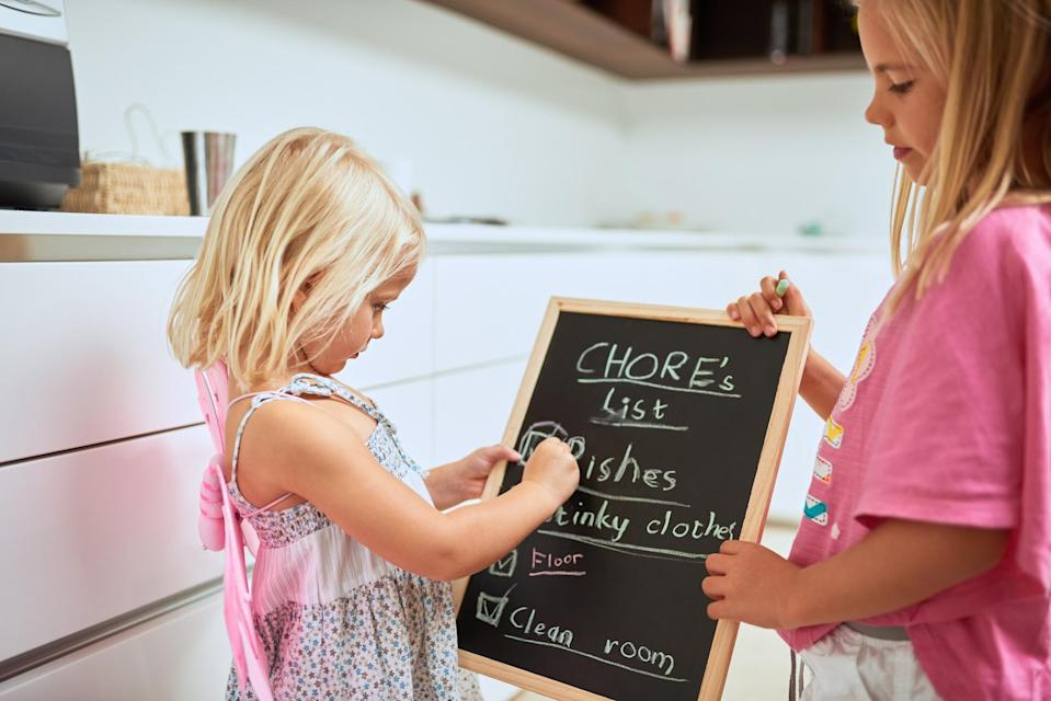 A mum of 16 has revealed how a chores roster helps her family stay organised [Photo: Getty]