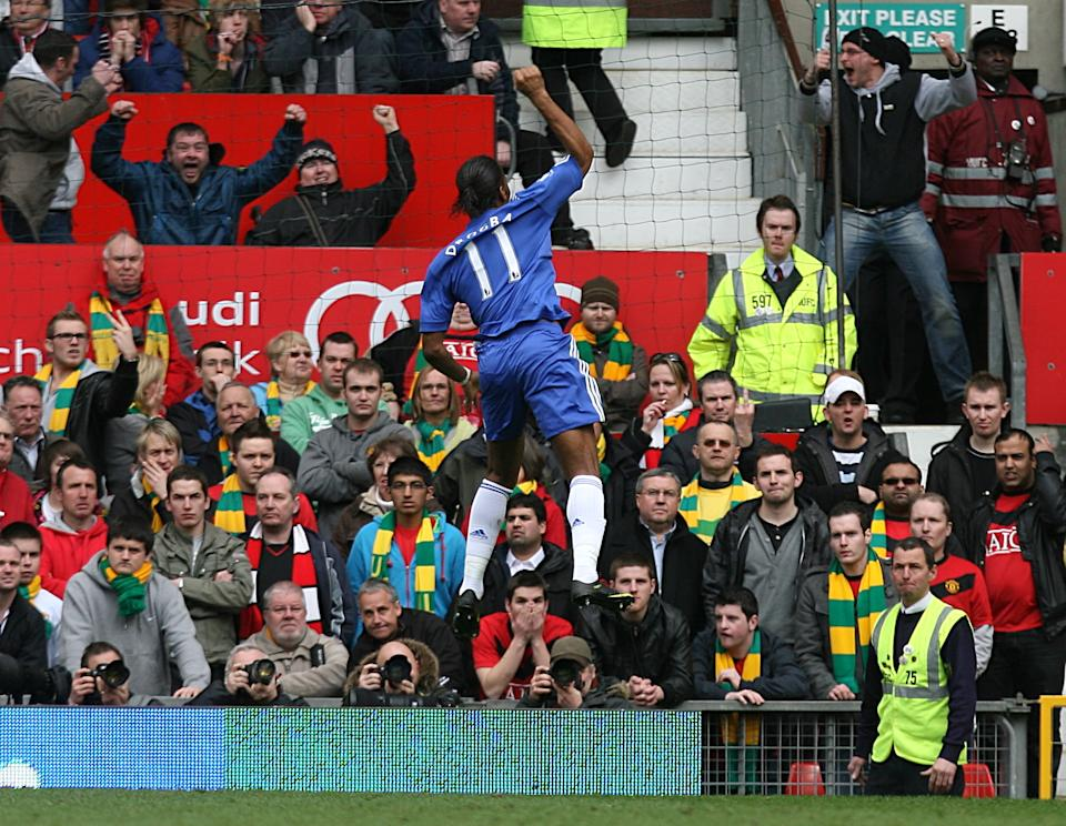 Didier Drogba scores the winner in a 2-1 win over United. But was Drogba in an offside position? (3 April 2010)
