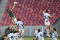 Lood de Jager of South Africa wins the line out ball during the second Rugby Championship match between Argentina and South Africa at the Nelson Mandela Bay Stadium, Gqebeha, South Africa, Saturday, Aug. 21, 2021. (AP Photo/Halden Krog)