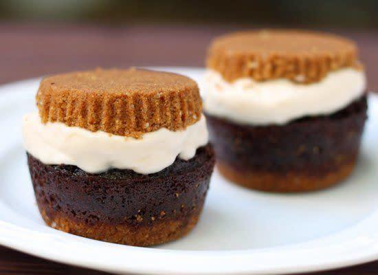 """While a hot, melted s'more might not be what you're craving on a warm summer day, there's never a time when the flavors don't hit the spot. And this ice cream sandwich makes it possible all summer long. <strong>Get the <a href=""""http://www.52kitchenadventures.com/2011/06/15/smores-cupcake-ice-cream-sandwiches/"""" rel=""""nofollow noopener"""" target=""""_blank"""" data-ylk=""""slk:S'mores Cupcake Ice Cream Sandwiches recipe"""" class=""""link rapid-noclick-resp"""">S'mores Cupcake Ice Cream Sandwiches recipe</a> by 52 Kitchen Adventures</strong>"""