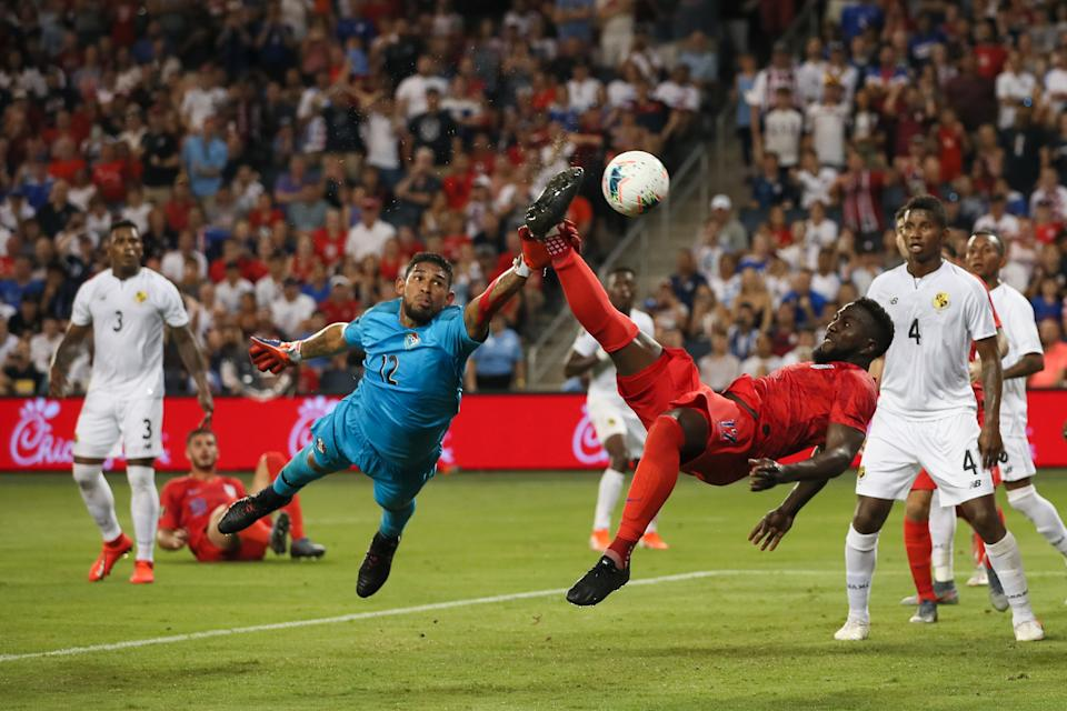 KANSAS CITY, KS - JUNE 26: Jozy Altidore of USA scores a goal to make it 0-1 during the Group D 2019 CONCACAF Gold Cup match between Panama v United States of America at Children's Mercy Park on June 26, 2019 in Kansas City, Kansas. (Photo by Matthew Ashton - AMA/Getty Images)