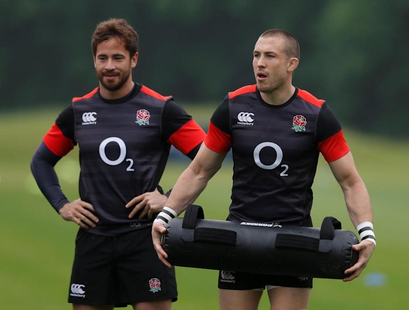 Back in the fold: Cipriani, left, trains ahead of his return to the England XV (REUTERS)