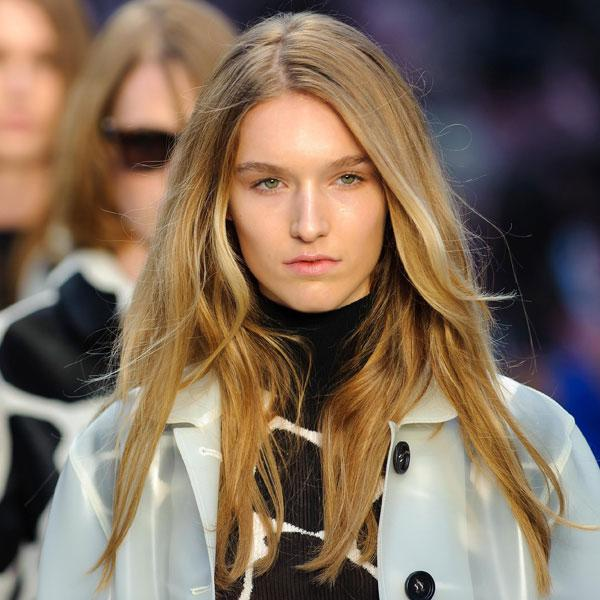 <b>Burberry </b><br><br>Models showcased an effortlessly beautiful make-up look at the show.<br><br>Image © Getty