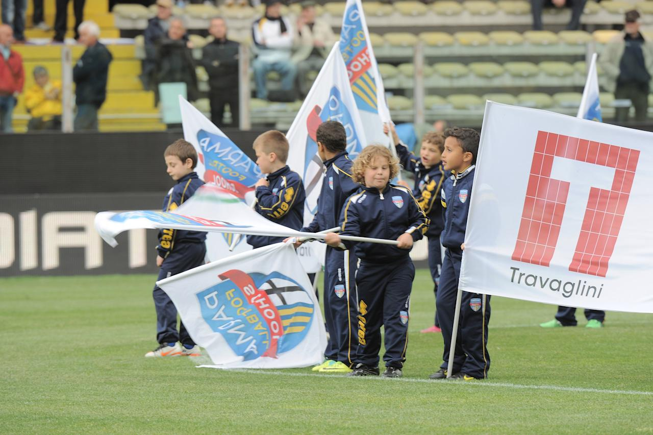 PARMA, ITALY - MAY 13:  Children of the Football school before the Serie A match between Parma FC and Bologna FC at Stadio Ennio Tardini on May 13, 2012 in Parma, Italy.  (Photo by Dino Panato/Getty Images)