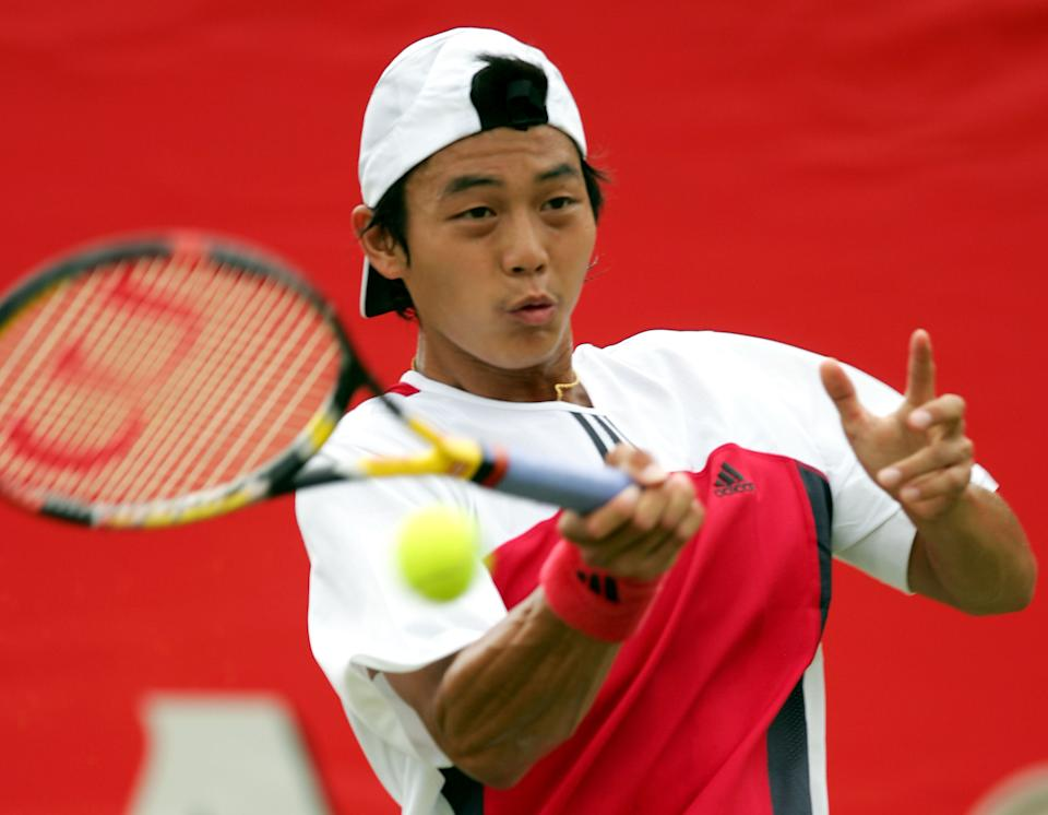 LONDON - JUNE 10: Yen-Hsun Lu of Taiwan in action during his match against Radek Stepanek of the Czech Republic at the Stella Artois Tennis Championships at the Queen?s Club June 10, 2004 in London.  (Photo by Clive Brunskill/Getty Images)