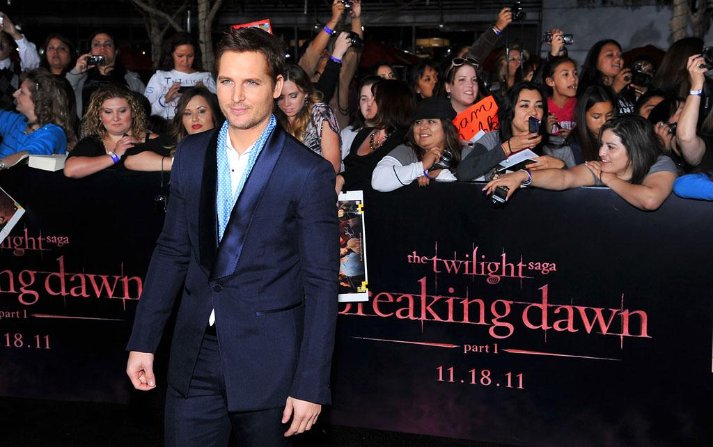 "Peter Facinelli arrives at the red carpet premiere for ""The Twilight Saga: Breaking Dawn – Part 1"" in Los Angeles, CA. (Photo by Vince Bucci/Yahoo!)"