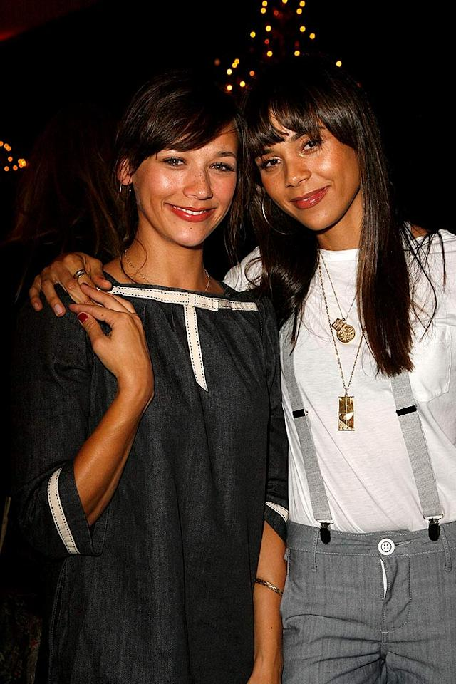 """Two of the nights best dressed (minus the zipper slip) were Rashida Jones (""""The Office"""") and her model sister Kidada. Jeff Vespa/<a href=""""http://www.wireimage.com"""" target=""""new"""">WireImage.com</a> - October 24, 2007"""