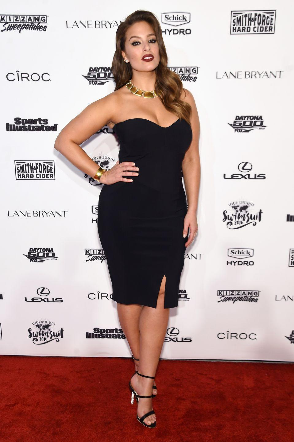 <p>Sports Illustrated Swimsuit, 2016: Love the vintage styling of this simple LBD.</p>