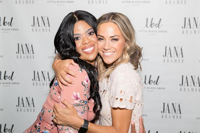 Jana Kramer and her Dress for Success client Keisha Wilson backstage at a recent LBD Wines meet and greet in Chicago. (Photo: Jeff Schear/Getty Images for Dress for Success)
