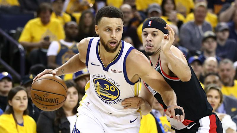 Stephen Curry's shooting showcase helps Warriors top Trail Blazers