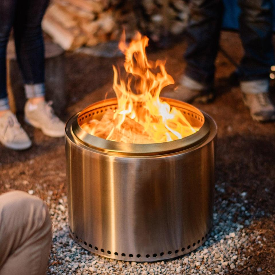 "<h2>Fire Pits</h2> <h3><a href=""https://www.solostove.com/"" rel=""nofollow noopener"" target=""_blank"" data-ylk=""slk:Solo Stove"" class=""link rapid-noclick-resp"">Solo Stove</a></h3> <br><strong>Sale: </strong>Discounts on select <a href=""https://www.solostove.com/fire-pits/"" rel=""nofollow noopener"" target=""_blank"" data-ylk=""slk:fire pits"" class=""link rapid-noclick-resp"">fire pits</a><br><br><strong>Dates: </strong>Now - Limited time<br><br><strong>Promo Code: </strong>None<br><br><strong>Solo Stove</strong> Solo Stove Ranger + Stand, $, available at <a href=""https://go.skimresources.com/?id=30283X879131&url=https%3A%2F%2Fwww.solostove.com%2Franger-plus-stand%2F"" rel=""nofollow noopener"" target=""_blank"" data-ylk=""slk:Solo Stove"" class=""link rapid-noclick-resp"">Solo Stove</a><br><br><br><br><br>"