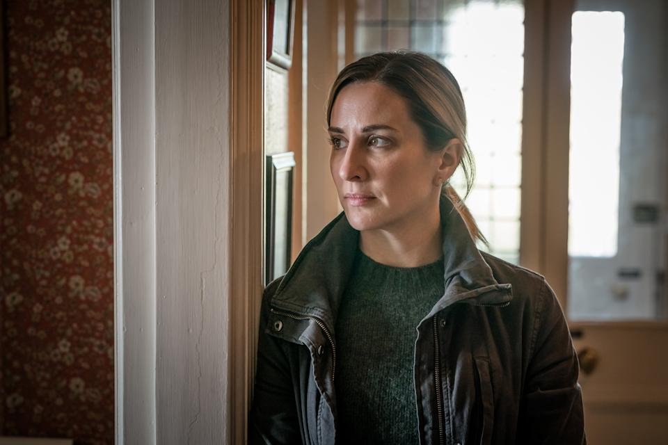 Morven Christie as Lisa Armstrong in The Bay. (Ben Blackall / © Tall Story Pictures 2020)