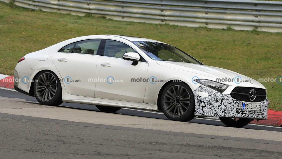 Mercedes CLS prototype spy photo