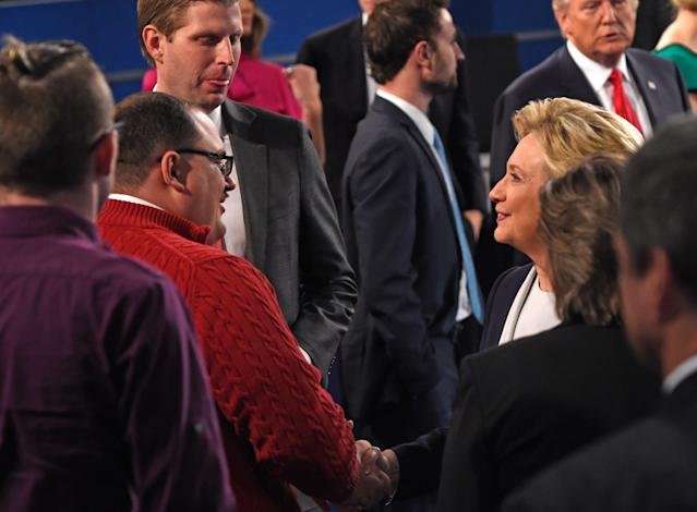Hillary Clinton shakes hands with Ken Bone following the second presidential debate in St. Louis, Oct. 9, 2016. (Photo: Saul Loeb/AFP/Getty Images)