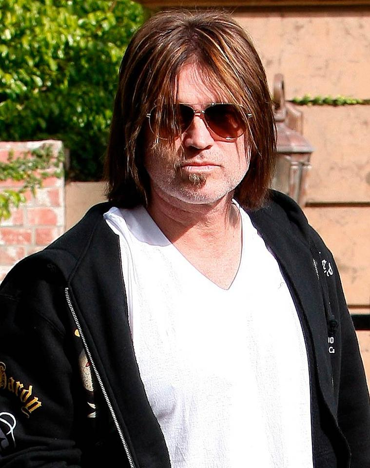 """Miley Cyrus certainly shouldn't let her dad, Billy Ray, go out in public with such a disastrous 'do atop his head. LAX/<a href=""""http://www.x17online.com"""" target=""""new"""">X17 Online</a> - December 13, 2008"""