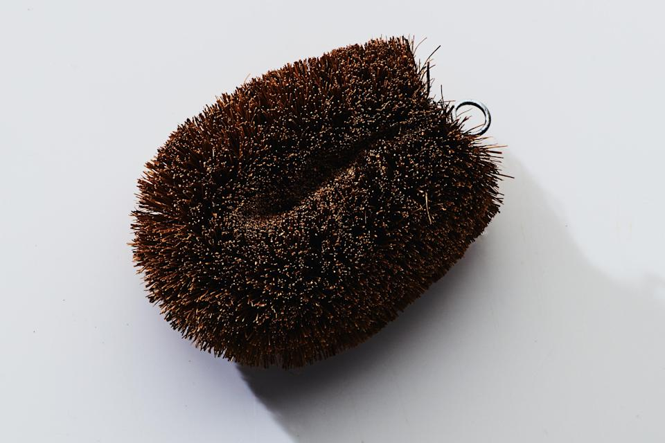 """<h1 class=""""title"""">cleaning tools TAWASHI VEGETABLE SCRUB BRUSH</h1><cite class=""""credit"""">Photo by Chelsea Kyle</cite>"""