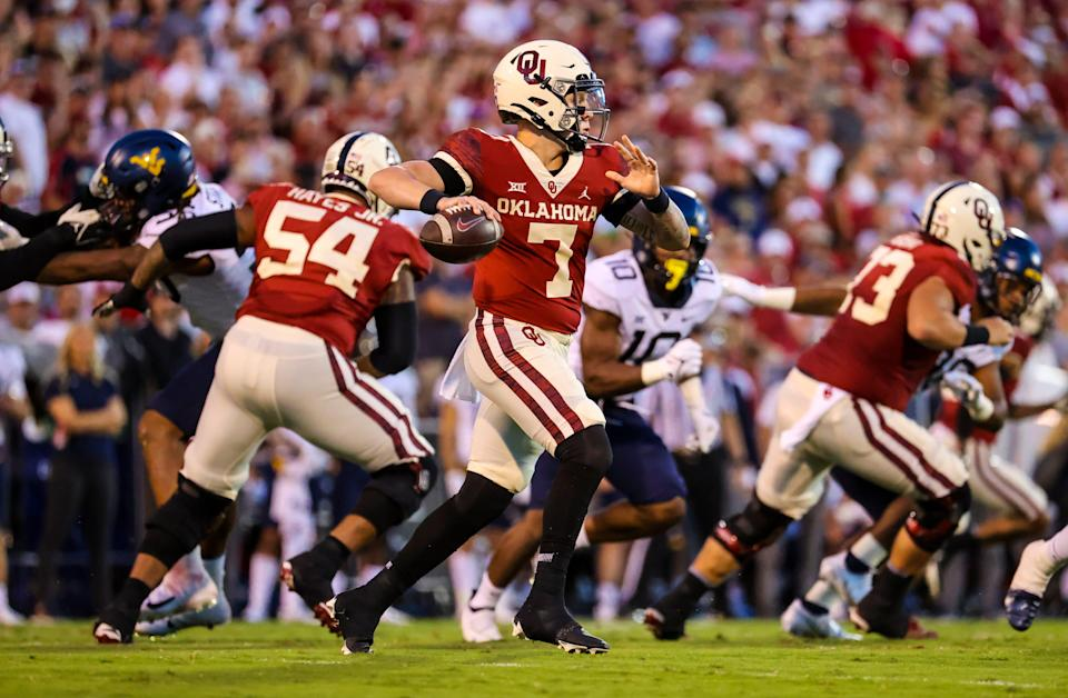 Oklahoma QB Spencer Rattler completed 26 of 36 passes for 256 yards and 1 TD.