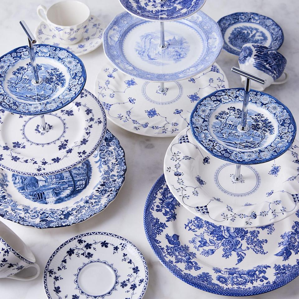"<p>Does she love chintz? What about <a href=""https://www.veranda.com/home-decorators/a32128482/amanda-lindroth-new-furniture-collection/"" rel=""nofollow noopener"" target=""_blank"" data-ylk=""slk:rattan"" class=""link rapid-noclick-resp"">rattan</a>, <a href=""https://www.veranda.com/decorating-ideas/color-ideas/a32721429/blue-and-white-ceramics/"" rel=""nofollow noopener"" target=""_blank"" data-ylk=""slk:blue-and-white porcelain"" class=""link rapid-noclick-resp"">blue-and-white porcelain</a>, needlepoint, and chinoiserie wallpaper? She's probably a grandmillennial. The term defines a modern take on ""granny chic,"" with a mix of antiques, cable-knit cardigans, and ultra-chic pieces for a uniquely feminine closet and home. </p><p>We've gathered some highly curated items that will meet your loved one's specific aesthetic and are sure to make you her favorite gift-giver this year. From <a href=""https://www.veranda.com/outdoor-garden/g32437423/what-to-bring-to-a-picnic/"" rel=""nofollow noopener"" target=""_blank"" data-ylk=""slk:upgrading her picnic game"" class=""link rapid-noclick-resp"">upgrading her picnic game</a> and stocking her already-envy-inducing<a href=""https://www.veranda.com/decorating-ideas/a29529319/guide-to-party-closets/"" rel=""nofollow noopener"" target=""_blank"" data-ylk=""slk:party closet"" class=""link rapid-noclick-resp""> party closet</a> to indulging her affinity for <a href=""https://www.veranda.com/home-decorators/advice-from-designers/g32971202/how-to-shop-for-antiques/"" rel=""nofollow noopener"" target=""_blank"" data-ylk=""slk:antique and vintage finds"" class=""link rapid-noclick-resp"">antique and vintage finds</a>, these 25 gift ideas are sure to wow the grandmillennial in your life. </p>"