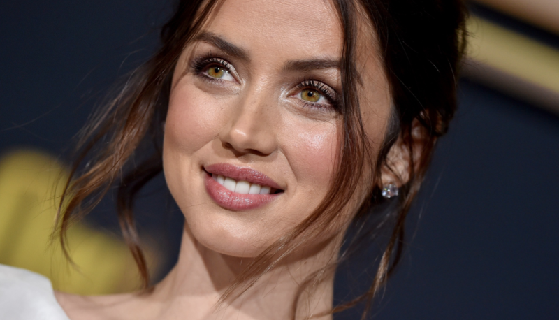 Ana de Armas and boyfriend Ben Affleck have been making headlines during quarantine. (Image via Getty Images)